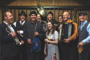Klezmer Pop-Up Party: A Free Lunchtime Concert with the Klezwoods