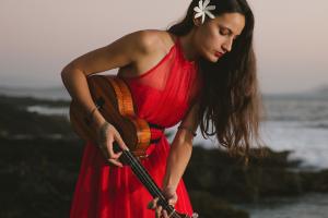 Taimane: Fierce & Fiery Hawaiian Ukulele Virtuoso