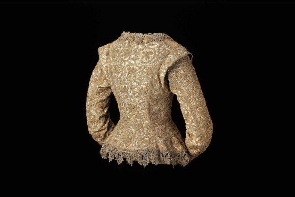 Fashion Through the Ages: Virtual Tour