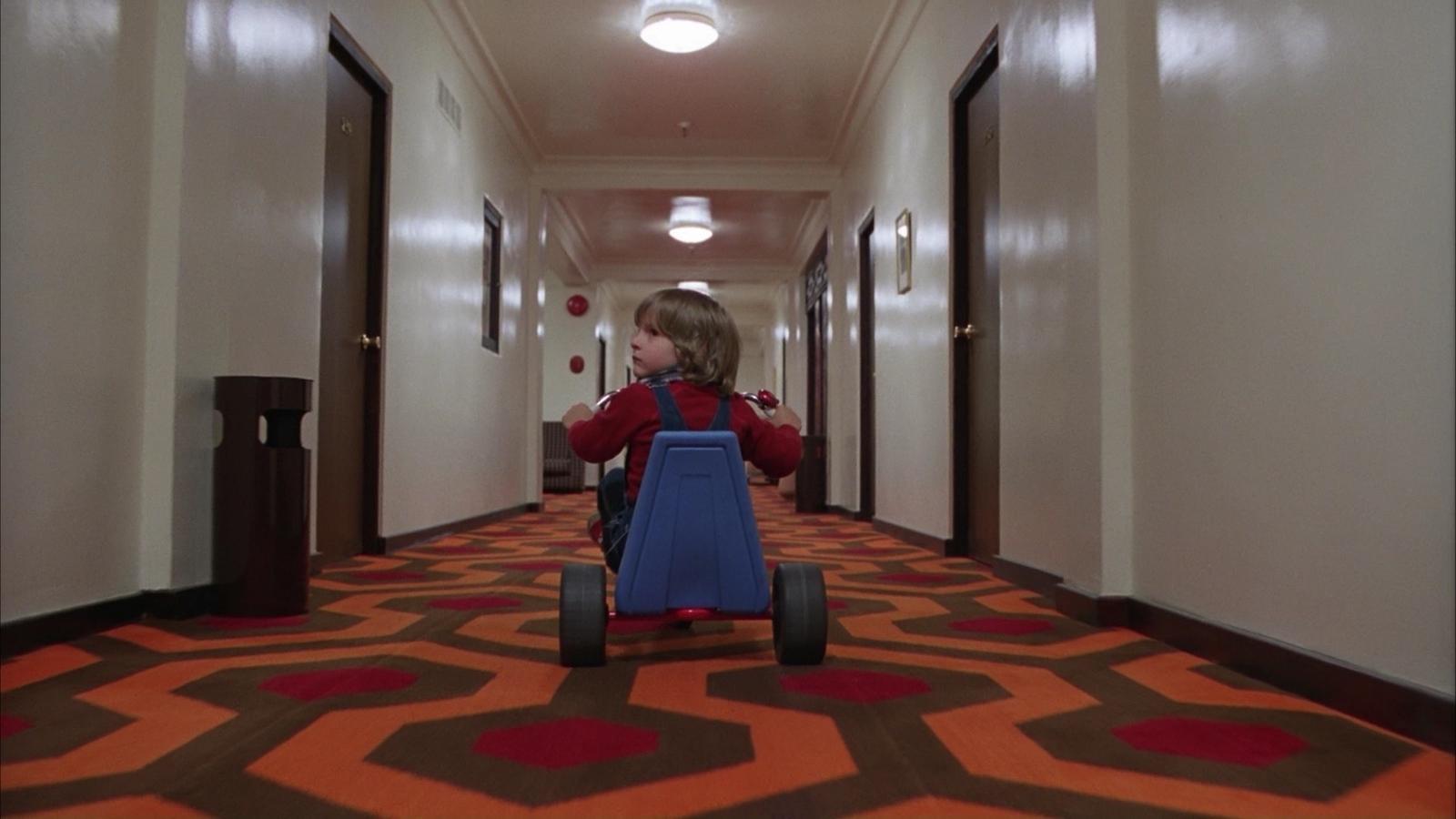 Znalezione obrazy dla zapytania: Overlook The Shining