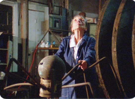 Virtual Screening: Louise Bourgeois: The Spider, t...