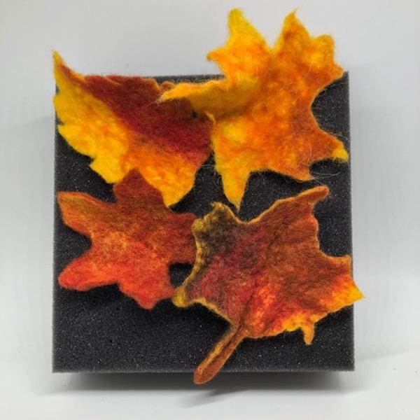 Workshop: Wet Felted Autumn Leaves