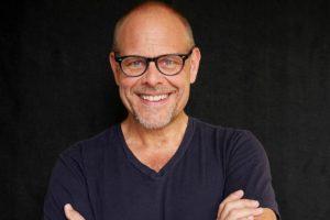 Alton Brown: Eat Your Science