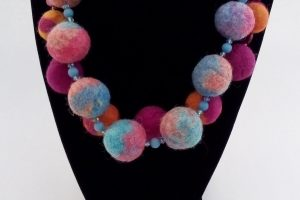 primary-Felted-Bead-Workshop-1483557518